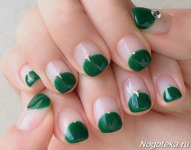 Зеленый френч маникюр