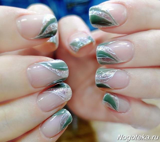 Зеленый маникюр с серебряным блеском