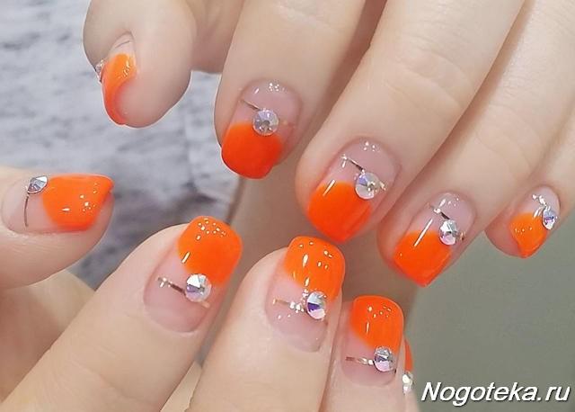 Маникюр оранжевого цвета фото